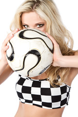 Frau mit Fußball