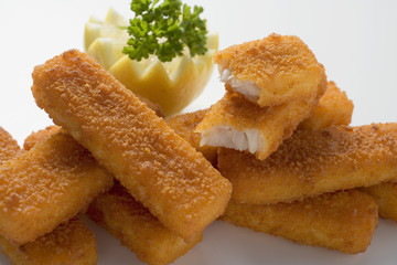 Fish fingers with lemon and parsley