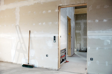 building fabric with gypsum plaster boards with heating circuit