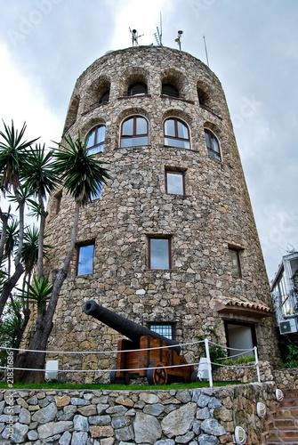 Antigua torreta de vijilancia, Puerto Banus.