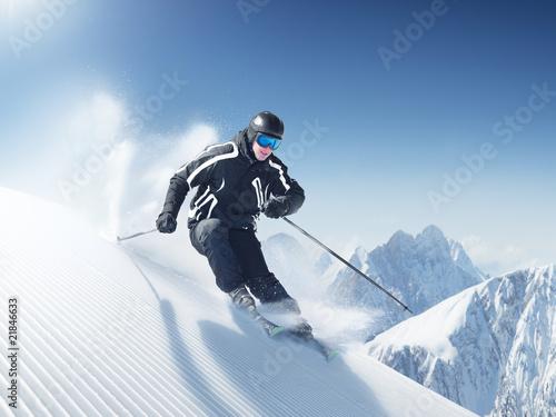 Skier in high mountains - alpen