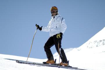 Pili en Sierra Nevada esquiando 008