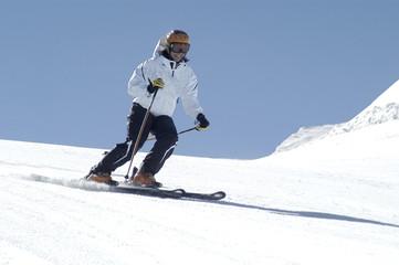 Pili en Sierra Nevada esquiando 063