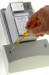 Digitaler Stromzähler Mit Schrraubendreher