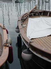 bateaux cote a cote