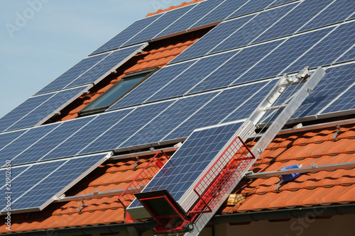 Solar electricity, goods lift