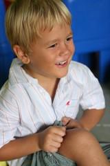 petit garcon souriant