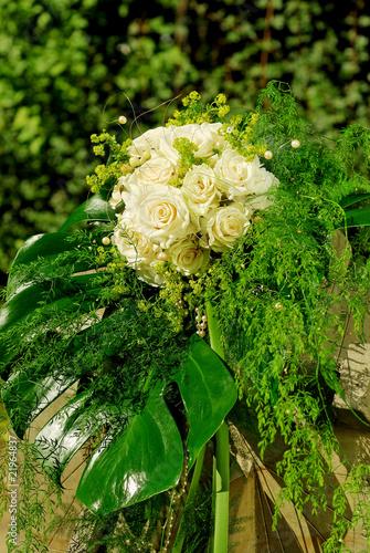 brautstrauss weisse rosen stockfotos und lizenzfreie bilder auf bild 21964837. Black Bedroom Furniture Sets. Home Design Ideas