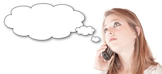 Mädchen am Nachdenken (am Telefon)