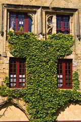 Salignac - Eyvigues (Dordogne) - Facade de l'ancien couvent