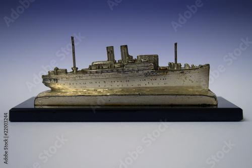 Poster Altes Schiffsmodell eines Passagierdampfers um 1925