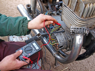 Checking engine electronic 2