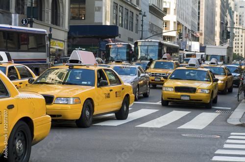 taksowki-na-ulicy-nowego-jorku