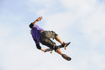 salto con skateboard