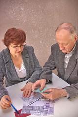 elderly couple decide money issues