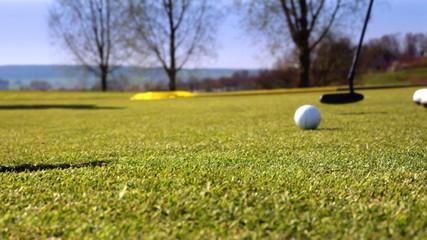 lucky golf putt