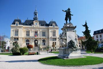Jardins et mairie de Tarbes