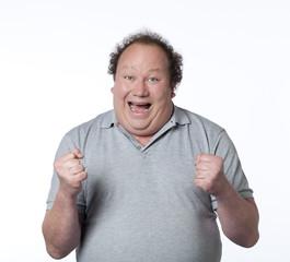 homme obèse heureux gagner