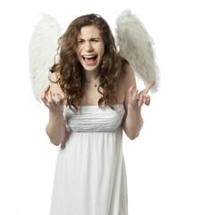 jeune fille ange en colère