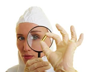 Spurensicherung mit Lupe