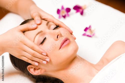 Leinwanddruck Bild Kopfmassage