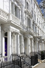 Weiße Häuser in London