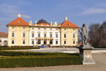 sculpture and garden of Slavkov castle