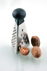 Grater and nutmeg