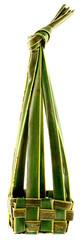 panier exotique naturel en feuille de cocotier, fond blanc