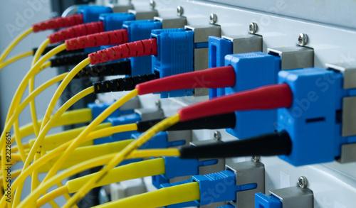 Glasfaserkabel an Rechner