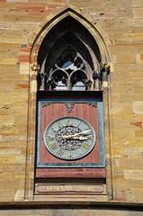 Mittelalterliche Turmuhr in Colmar