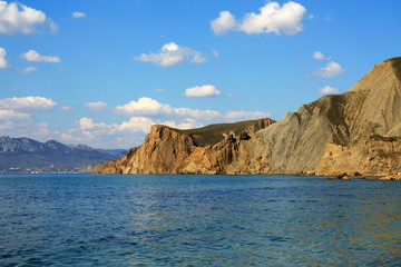 Cimmerian mountains and the sea. Photo 9111