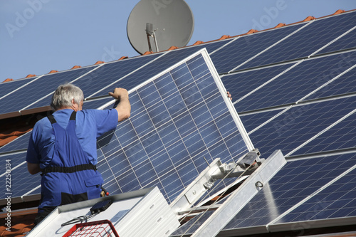Workman with solar paneel