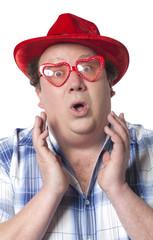 homme travesti lunettes en coeur