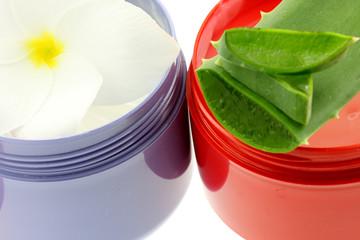 pots crème protectrice soins capillaires aloe vera