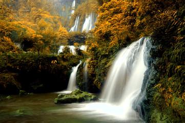 Tee lor zu Waterfall , Tak , Thailand