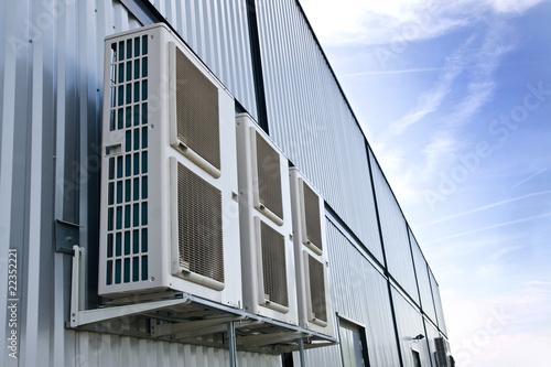 climatiseurs entrepôt - 22352221