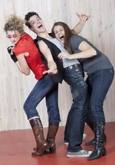 jeunes gens fête danse retrouvailles