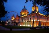 Fototapety Belfast City Hall and Belfast Eye at dusk.