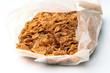 confezione aperta di corn flakes