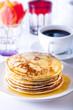 Pfannkuchen und Kaffee