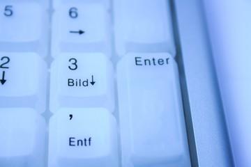 Tastatur im kühlem Blau