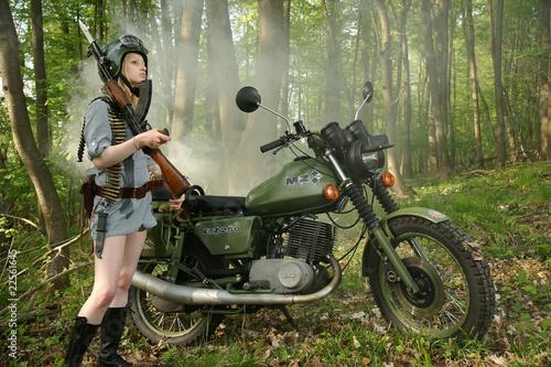 Poster Motorradfahrerin Armee MZ ETZ 250 2