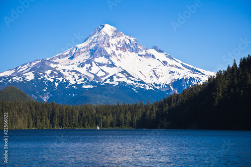Scenic view of Lost Lake and Mount Hood, Oregon, U.S.A. - 22566822
