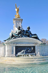 London - Brunnen am Buckingham Palace