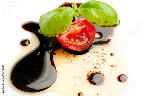 canvas print picture tomato and basil over olive oil and balsamic vinegar