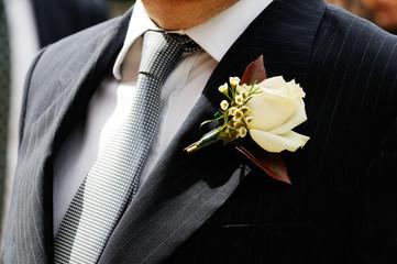 fiore all'occhiello - rosa bianca
