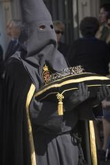 nazareno portando corana de espinas en cojin