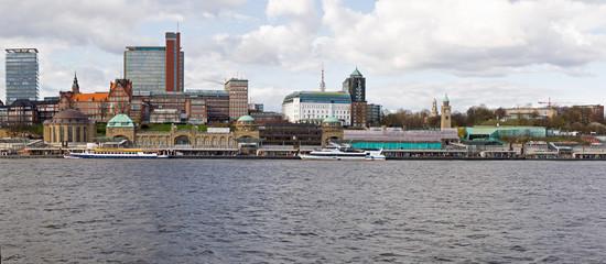 Hamburger Hafen, St. Pauli, Landungsbrücken, Skyline