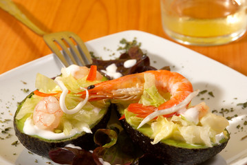 Shrimp avocado saldad